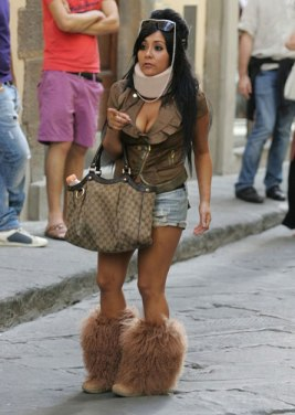 Snooki in Uggs